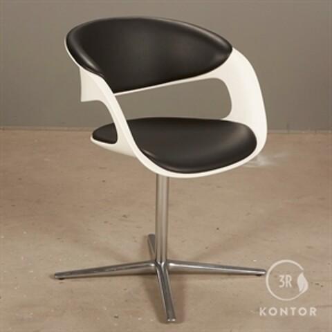 Walter knoll lox 1354 loungestol. hvid plast, sort læder.