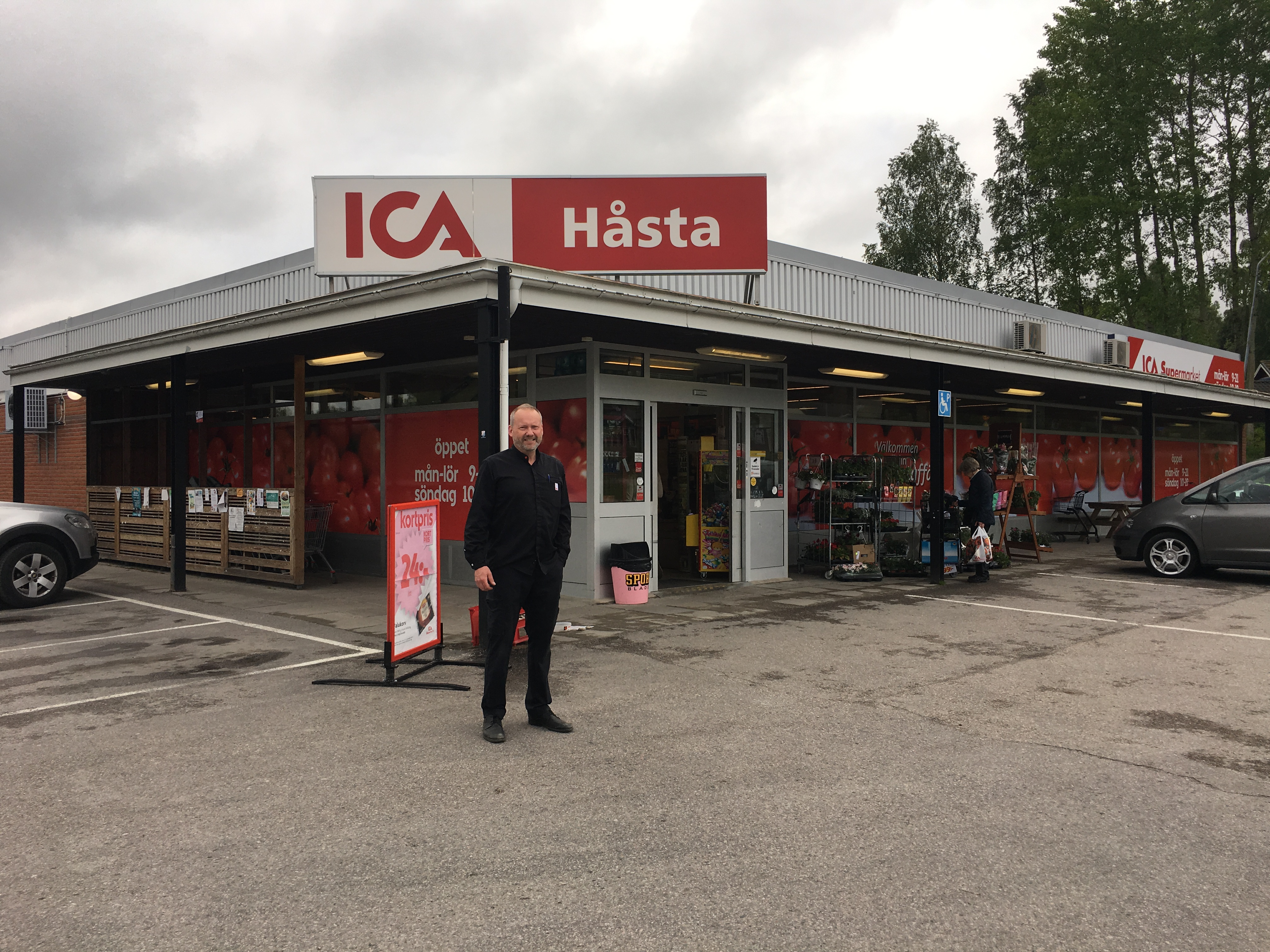 ica supermarket haga post