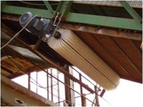 Rensing af transportbånd - MINK børste til rengøring af transportbånd\n
