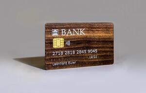 Swiss Wood Cards har samma egenskaper som ett kreditkort i plast. En av 60 unika innovationer som visas på InnoDex under Elmia Subcontractor 2021.