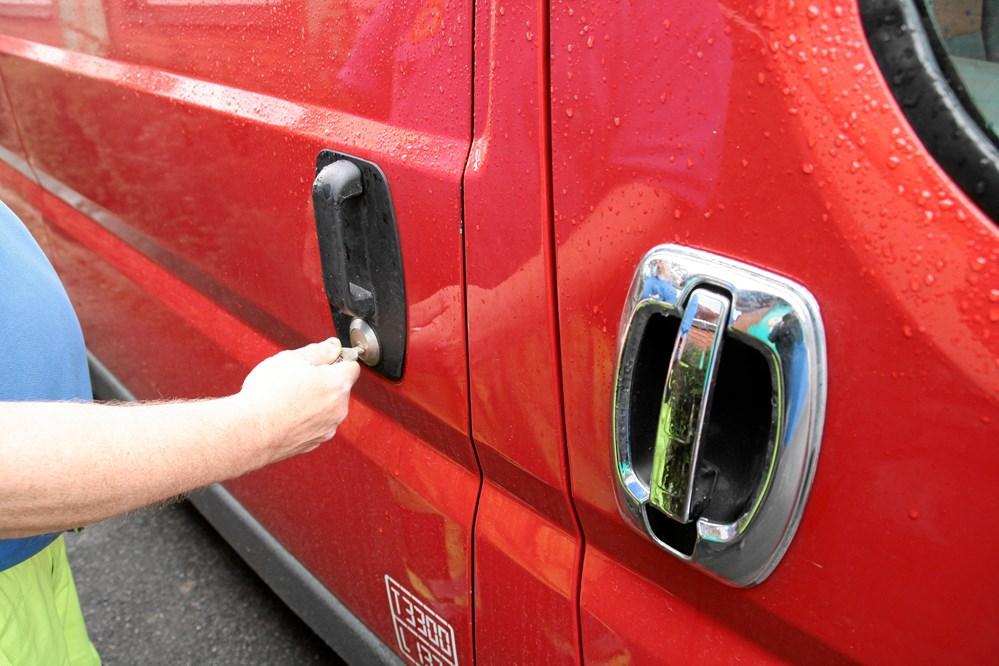tyveri af bil med nøgler