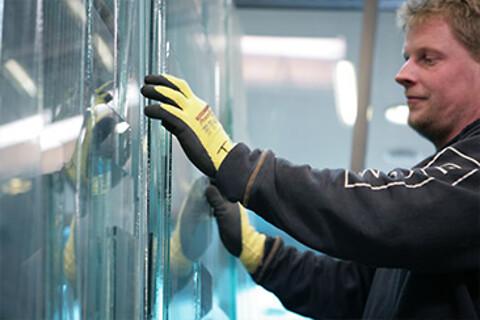 Glasløsninger fra Glascom A/S - Glascom A/S leverer alle former for glasløsninger
