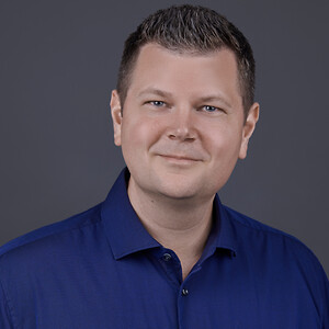 Henrik Nørgaard har over 14 års erfaring fra HVAC-branchen, hvor han har arbejdet med bygningsautomatik, integration og styring af bygninger i alle størrelser.