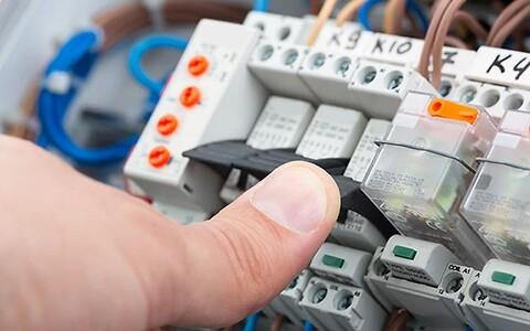 Elektrisk sikkerhed på maskiner og anlæg