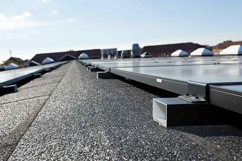 Komplette solcelleanlæg til tagkonstruktioner