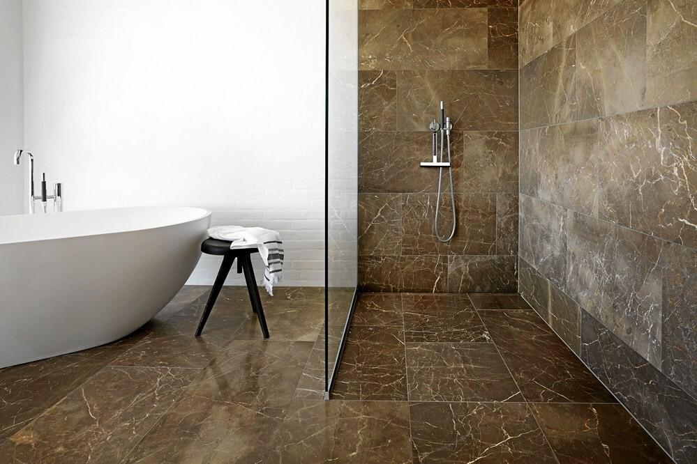 Det Personlige Badeværelse Er Tilbage - Licitationen Design Badevrelse Med Natursten