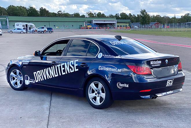 Många sponsorer med på Drivknutens Skrotbilsrejsbil
