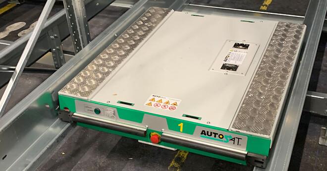 Automatiserede shuttles flytter pallerne i dybdestablingsreoler