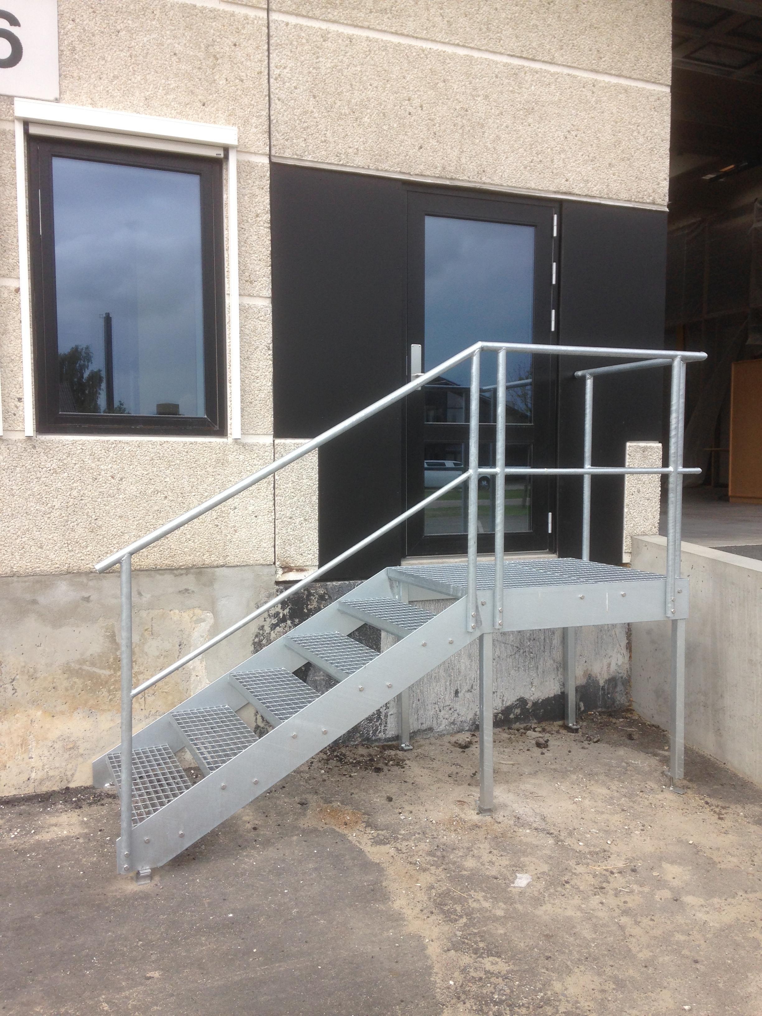 Picture of: Staltrappe Og Gelaender Til Koge Fra Nielssons Smede En1090 Metal Supply Dk