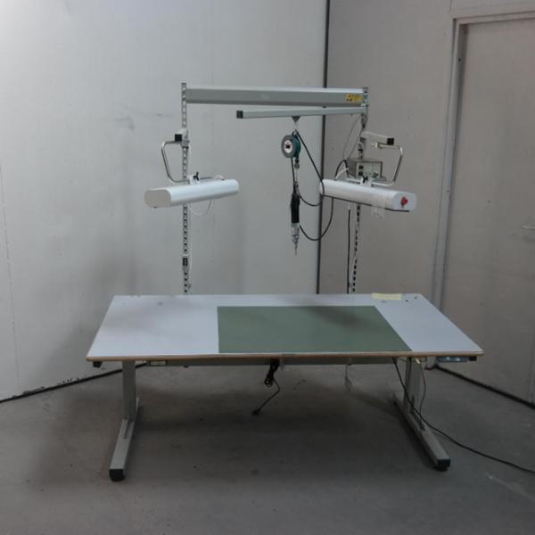 Montage bord med hæve/sænke funktion
