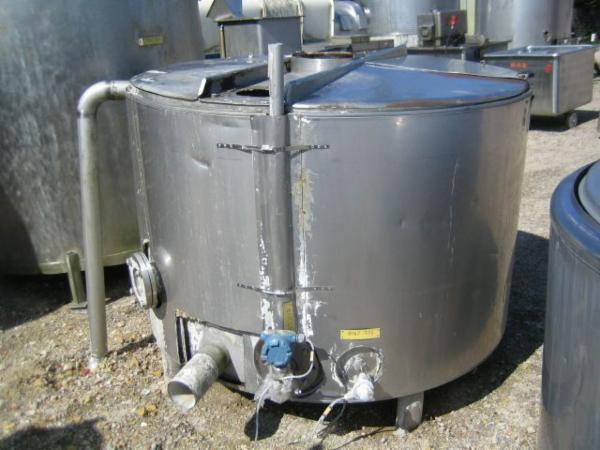 1.700 Liters åben opretstående tank med låg