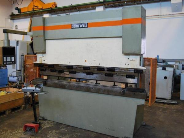 DoneWell 50 - 2500H  -  CNC Kantpresse