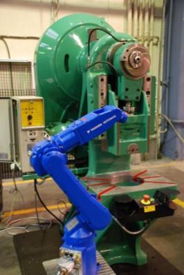Robotcelle med PMB-presse sælges