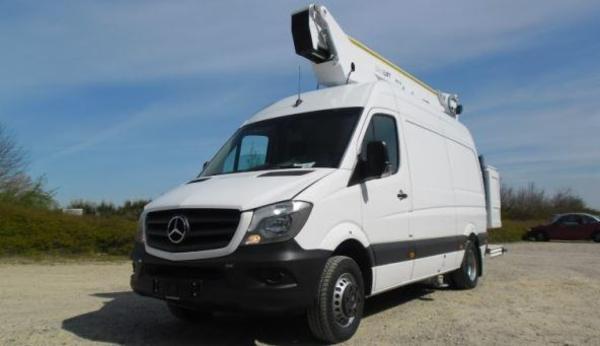 PD175V er velegnet til montering på chassis og kassebiler fra 5 ton totalvægt.