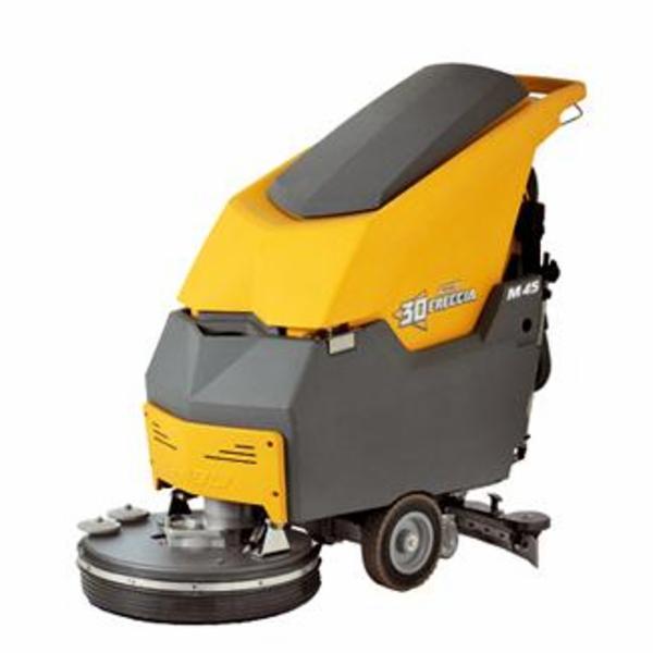 Sæson for sne og sjap: Freccia 30 gulvvasker sikrer rene gulve - nemt og effektivt