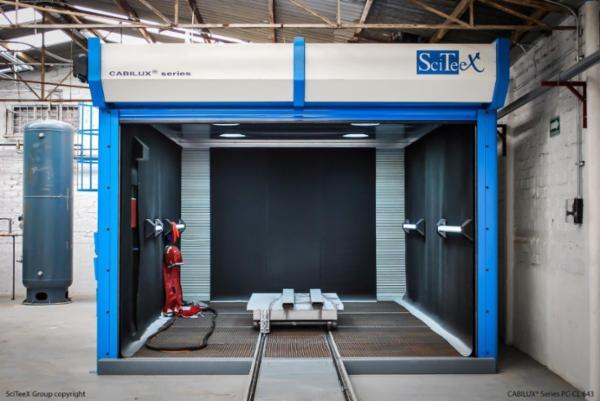 SciTeeX sandblæsningskabiner fra SurfaceTechnic