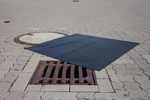 Neopren  afdæækning til kanalskakter, kloakker m.m., 1200 x 1200 mm