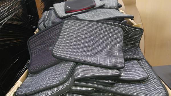 Hay graph laptop cover, 700+ stk, 2.Sortering