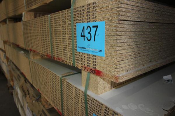 1176 Overskud fra køkken, bad og garderobeproduktion sælges via Campen Auktioner