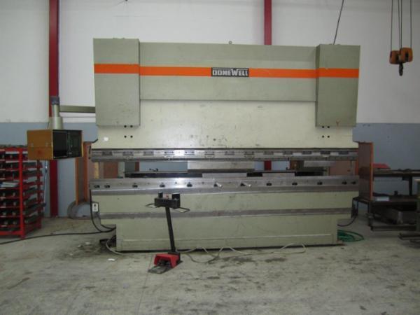Donewell CNC-Styret kantpresse 4100 mm. 225 Tons