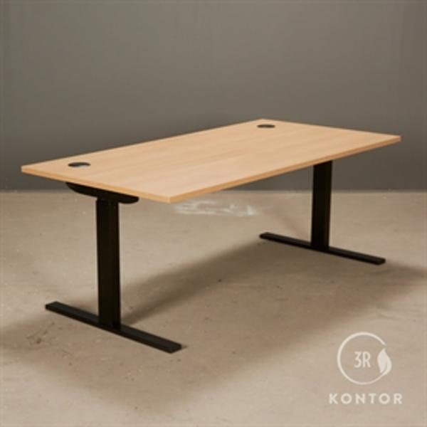 Hæve Sænkebord, top i eg, sort stel, 160x80 - NYT