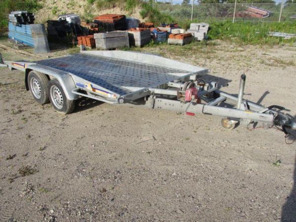 1304 Havetraktorer, trailere, traktorer, m.m. sælges via Campen Auktioner