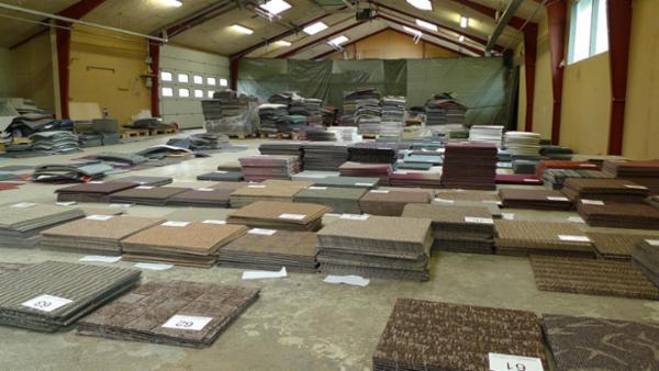 1415 Tecsom tæppefliser sælges via Campen Auktioner