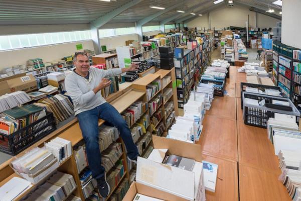 1400 Over 140.000 e-bøger, bøger, hæfter, motorbøger og manualer, sælges via Campen Auktioner