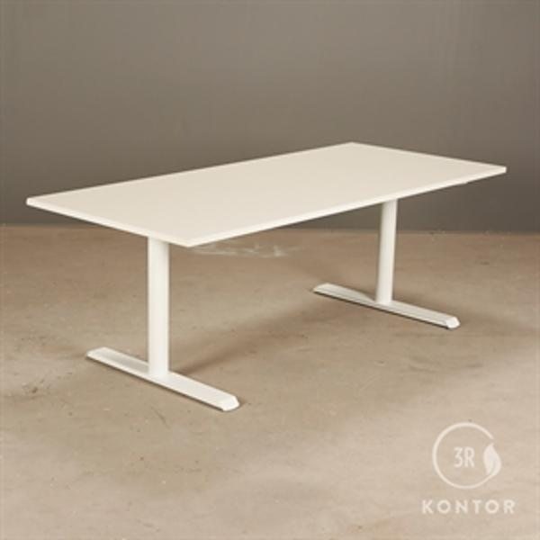 Hæve sænkebord. Hvid laminat på hvid stel - 180x80