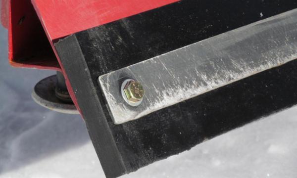 Forbered dig på vinteren - køb slidstærke sneplovskær nu