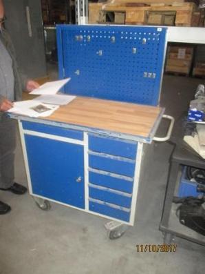Brugte Blika værkstedsvogne enkelte med værktøjsplade bagpå sælges