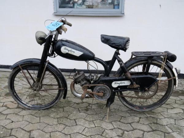 1661 Veteran knallerter, cykler og motorcykler sælges via Campen Auktioner