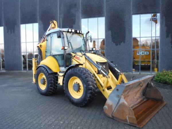 New Holland LB 115
