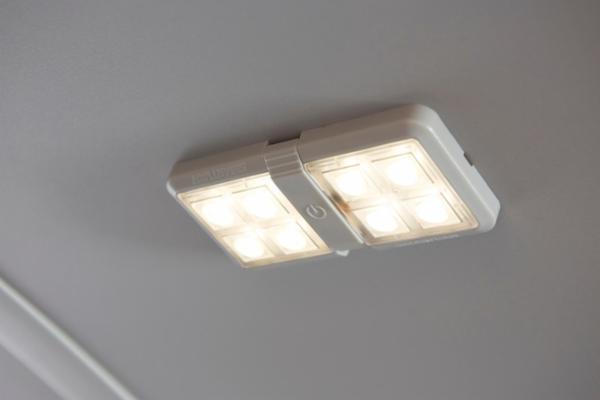 Arbejdslys med Plug'n Play LED til varerummet