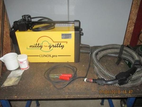 Brugt maskine til afsyring af tigsvejsninger velholdt sælges