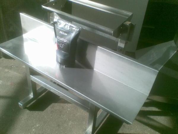 Understel i rustfrit stål til posesvejsemaskine med  hæve-/ sænkebord 120 cm.
