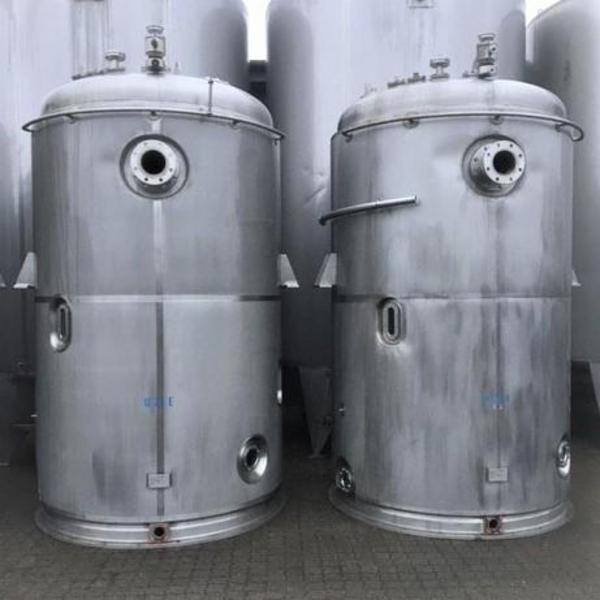 8 stk. 8.300 ltr. rustfrie tanke V1040-V1047