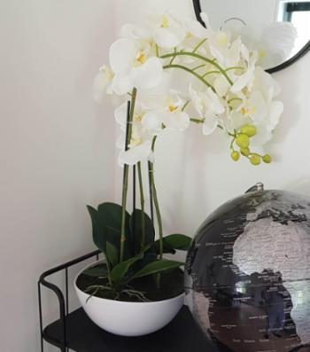 Smukke kunstige orkidéer