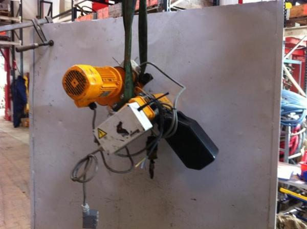 Elkædetalje, 125 kg med elløbekat + radio FRA SYLVEST TRADING