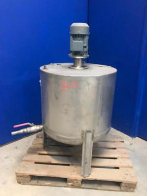 280liters rustfri tank med omrører.