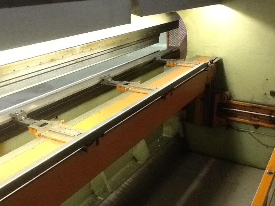 Donewell CNC-Styret kantpresse 4100 mm. 150 Tons