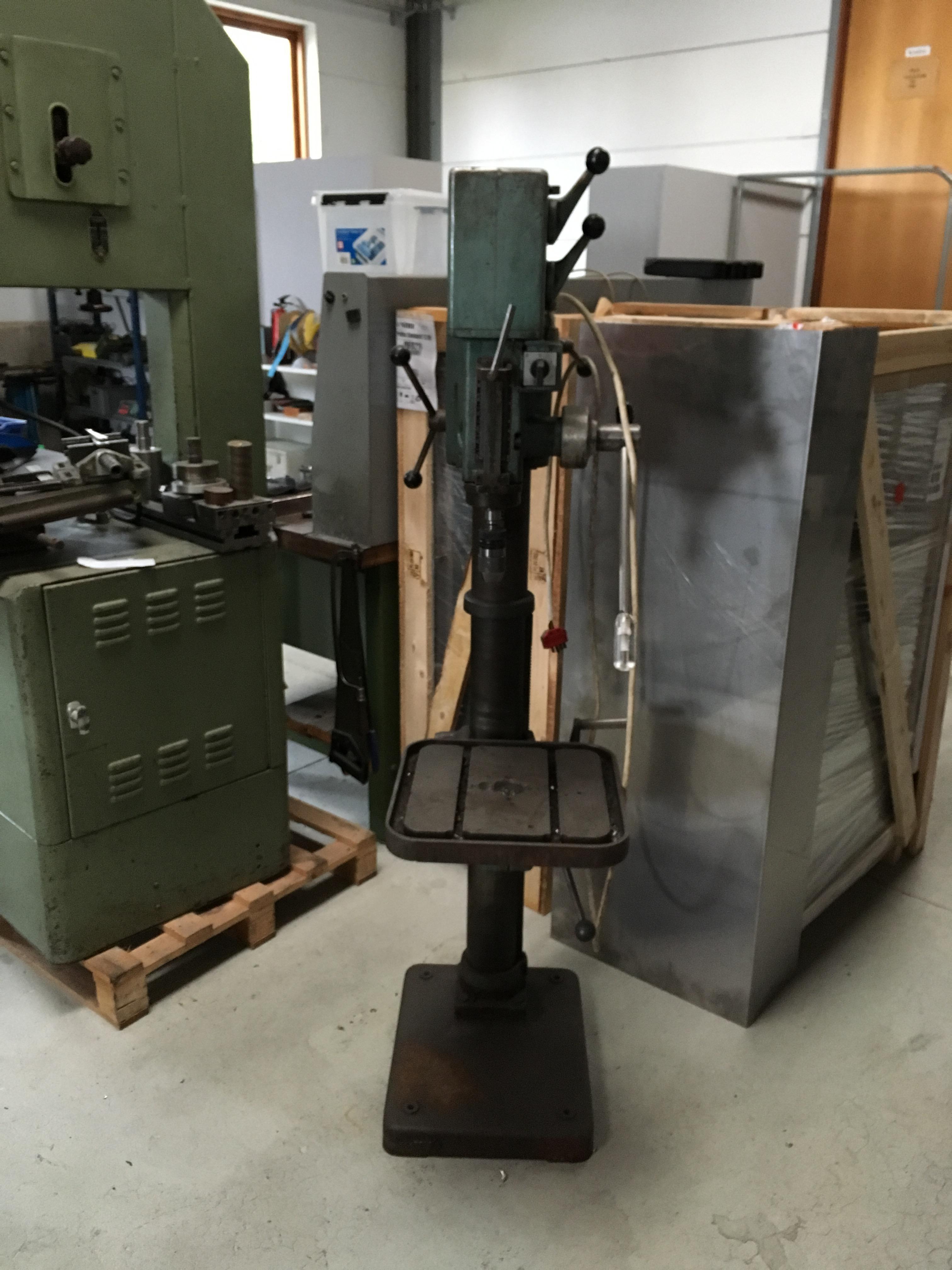 Velholdt brugt IMA P8 søjleboremaskine